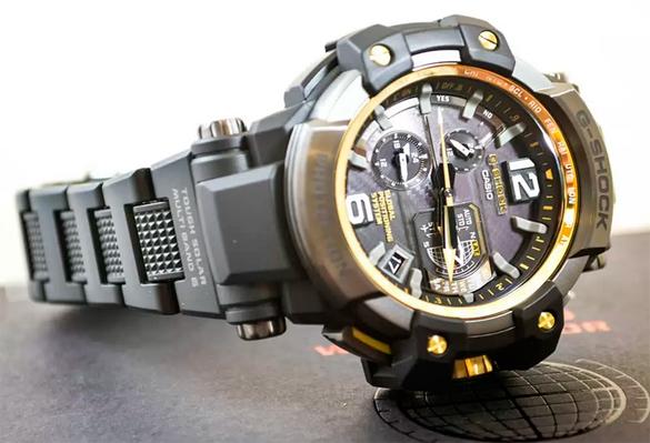 Часы Casio GPW-1000FC-1A9 Часы Adriatica A8262.R117QF