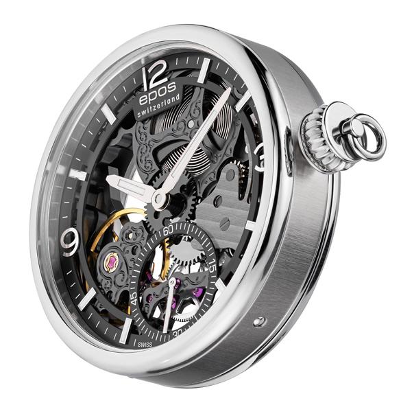 24ed79e1 Взяв часы в руки, вы сразу замечаете механизм, который здесь прикрыт  сапфировым стеклом и вы можете наблюдать весь процесс его работы.
