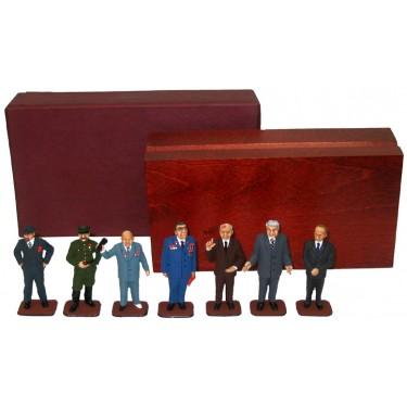 Набор миниатюр в деревянной шкатулке Люди, похожие на .... Rovertime 31.45.M